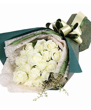 21 white roses bouquet