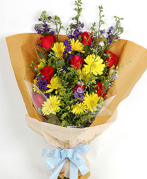 8 red roses, 11 yellow gerberas, delivery China